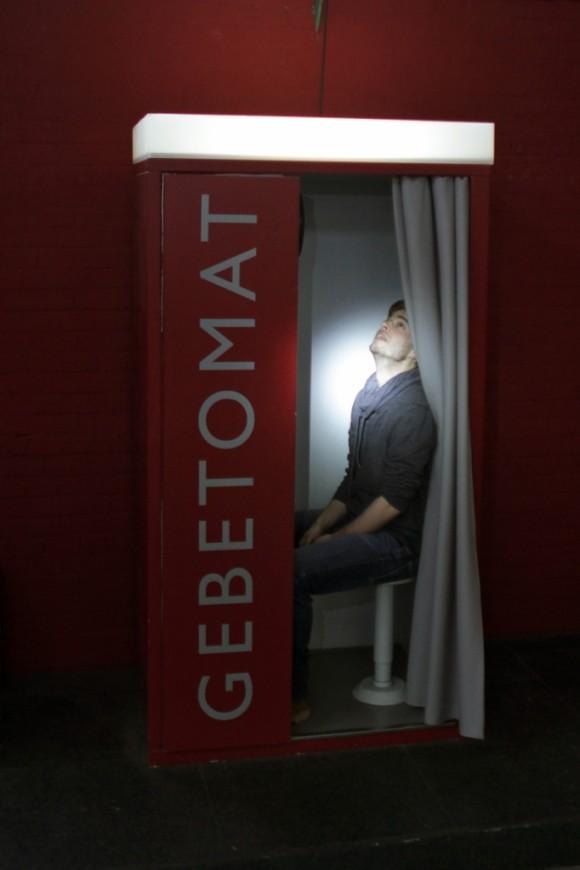 gebet1 580x870 Im Berliner Gebet Automaten Sozialismus moderne moabit kirche gottlosigkeit gott gebetomat berlin atheismus arminiusmarkthalle
